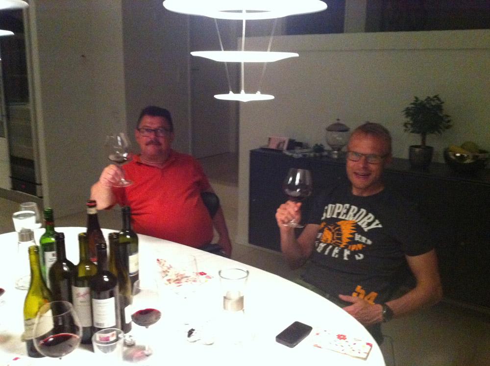 Paul og Steffen skåler