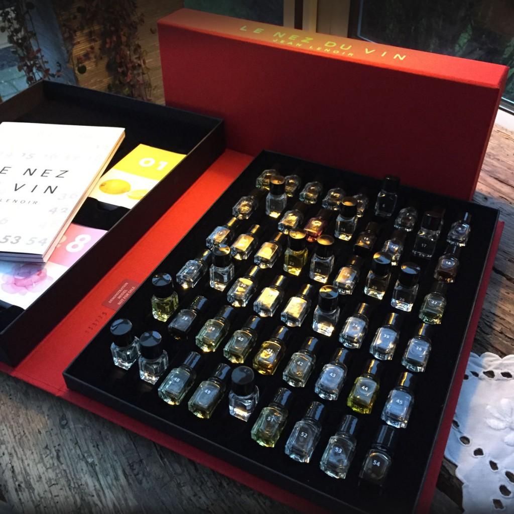 Le Nez du Vin ... en eftermiddag med et duftsæt fra Jean Lenoir | Houlbergs Vinblog