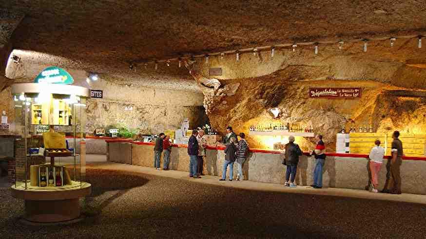 Vinoteket i de gamle tunneler