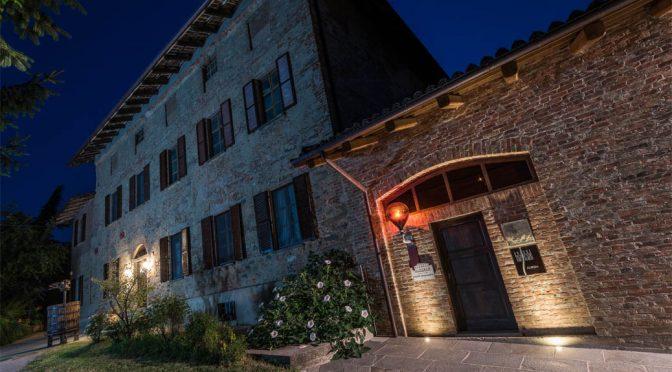2016 Fratelli Alessandria, Verduno Pelaverga Speziale, Piemonte, Italien