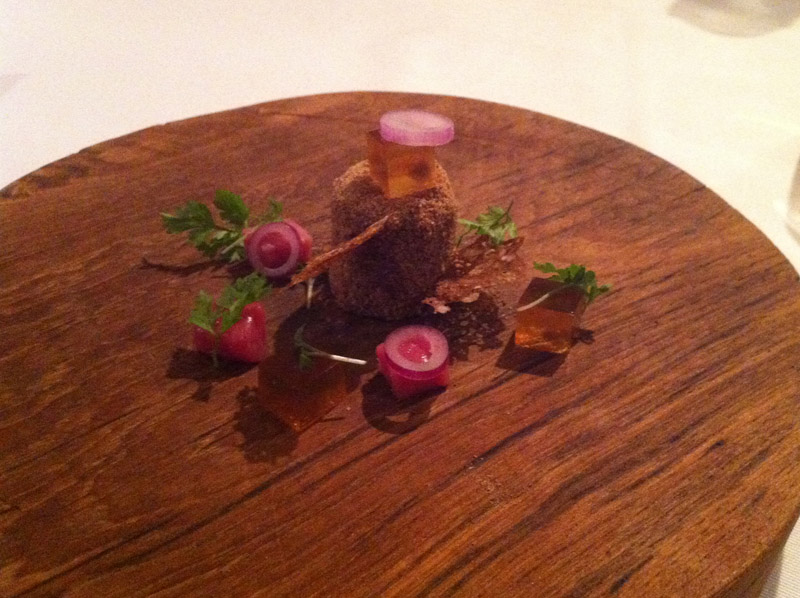 Smørebrød - dyrlægens natmad med paté, saltkød og sky