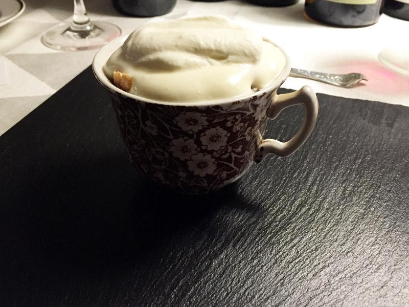 Trifli med sveskekompot