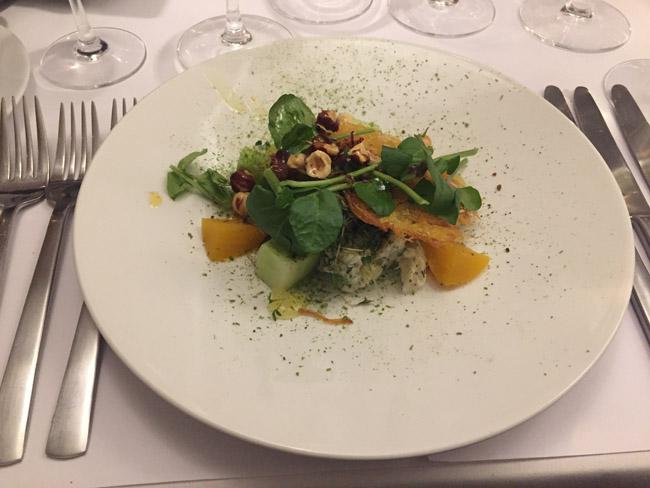 Salat af varmrøget torsk med citronconfit