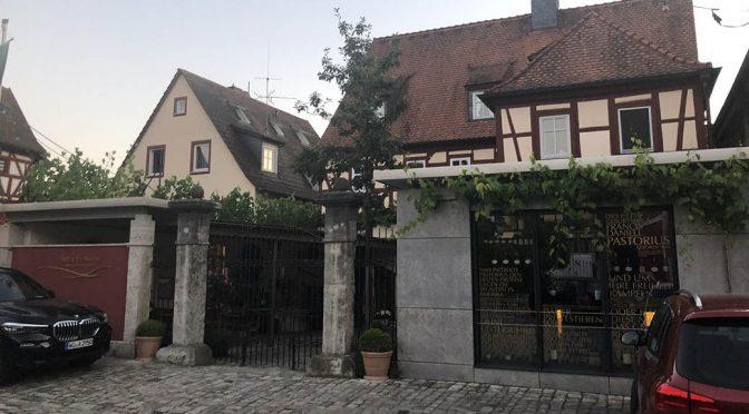 Besøg hos Artur Steinmann … Weingut im Pastoriushaus