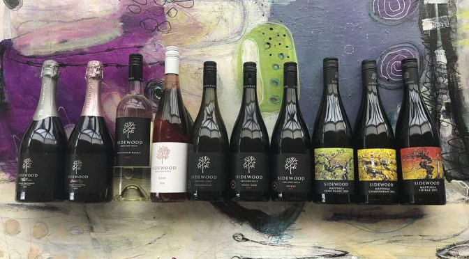 Houlberg tester Sidewood Estate vine … præmieret koldklima vinhus i Adelaide Hills
