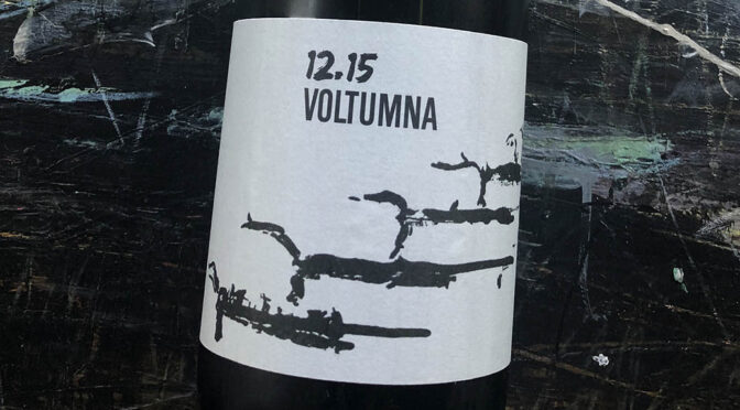 2015 Voltumna, 12-15 Pinot Nero, Toscana, Italien
